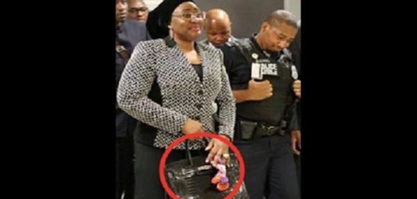 Nigeria : Le sac à main de 105.000$ de la Première dame Aisha Buhari crée la controverse