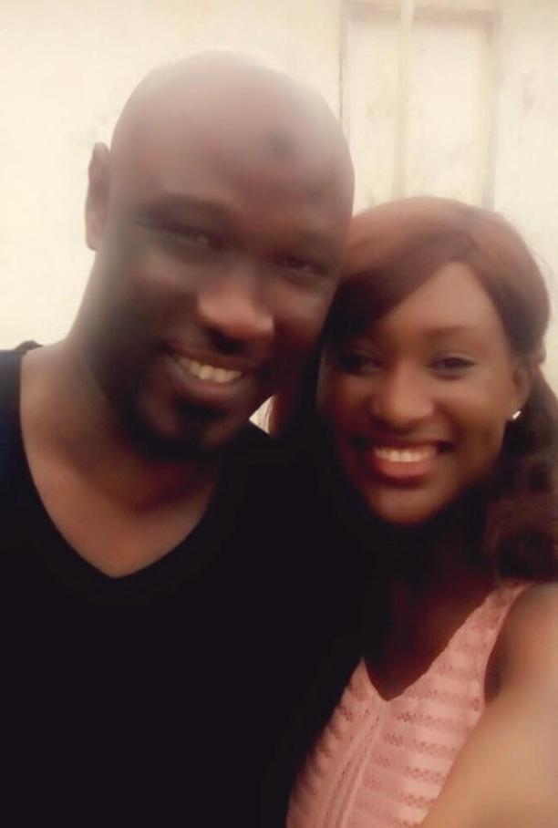 Cheikh Ndiaye tout sourire avec Bébé