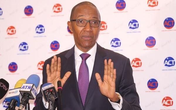 Abdoul Mbaye précise : « Le seul et unique passeport dont je suis détenteur est un passeport sénégalais »