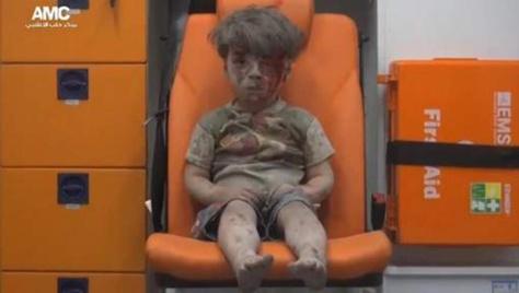 L'horreur quotidienne à Alep résumée sur cette image poignante