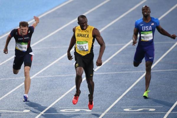 JO 2016 : Usain Bolt survole la finale du 200m