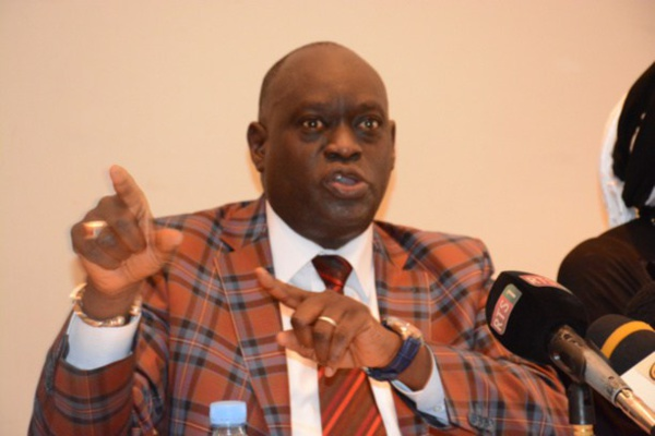 Me El hadji Diouf dézingue Cissé Lô : « Un ancien vendeur de poulets expulsé de Touba qui cherche… »