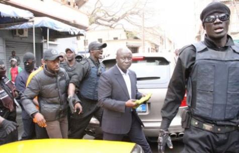 L'ancien garde du corps d'Idrissa Seck, Vieux Sandiéry Diop arrêté par la sûreté urbaine de Dakar