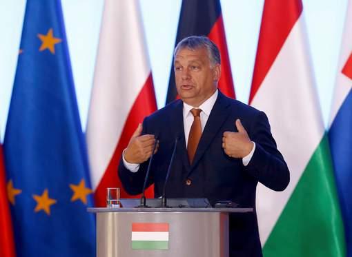 Une nouvelle clôture anti-migrants en Hongrie: On ne protège pas la frontière avec des fleurs, selon le premier ministre conservateur Viktor Orban