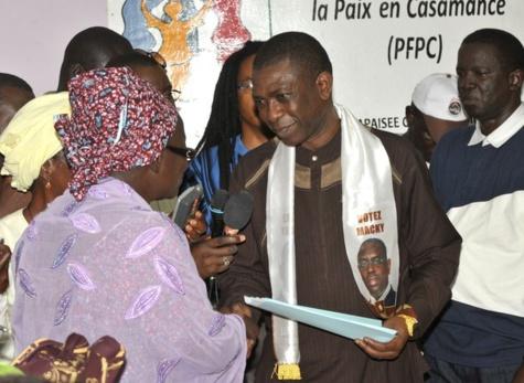 """Youssou Ndour à Ziguinchor : """"Le plus grand rêve de Macky Sall est d'offrir un emploi à chaque jeune du Sénégal"""""""
