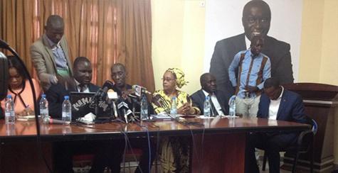 """Un nouveau front contre Macky : L'opposition et les mouvements de la société civile lancent """"Wallu Senegaal"""""""
