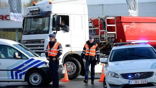 Onze réfugiés retrouvés dans un camion frigorifique à Houyet