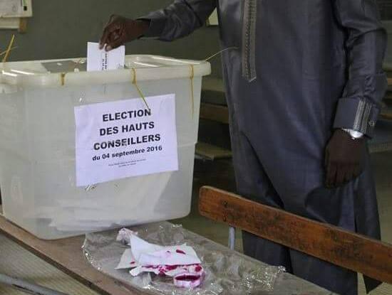 Les électeurs votent sans incidents à Thiès