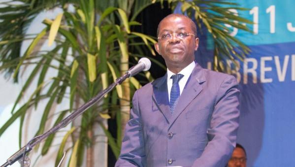 Gabon: le ministre de la Justice, Séraphin Moundounga, démissionne
