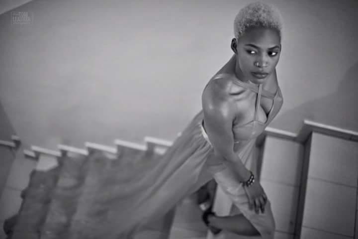 (2) Photos : La robe démesurée du mannequin Khady Bâ