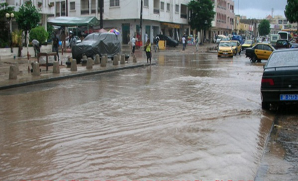 Pluie avec orage à Dakar : Tabaski pluvieuse et les rues devenues impraticables