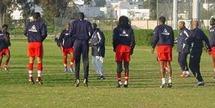 ALGERIE / SENEGAL, LE 5 SEPTEMBRE A BLIDA : Le camp d'entraînement des « Lions » transféré à Paris