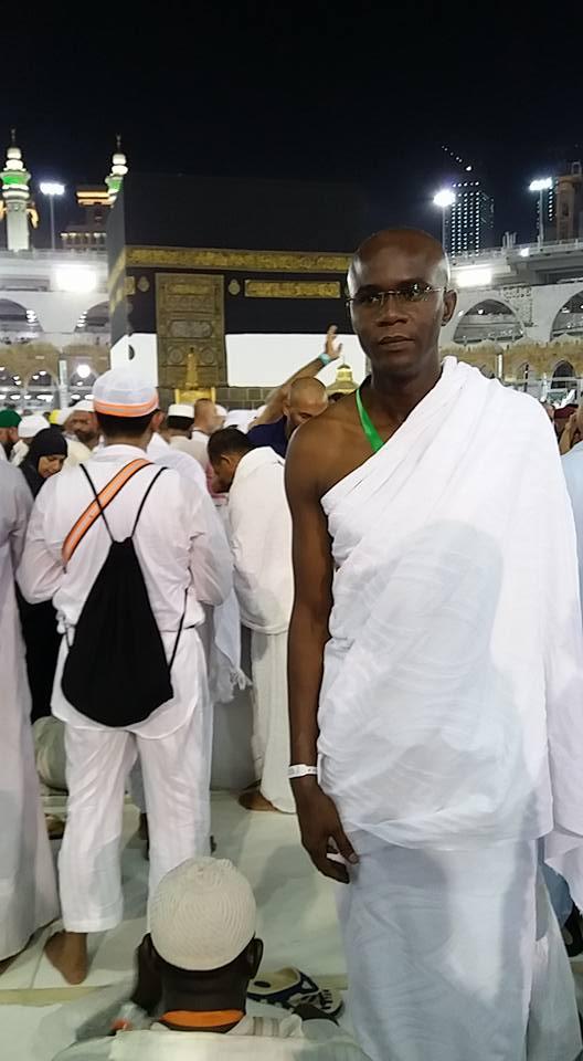 Cheikh Traoré, le présentateur du journal télévisé RTS à la Mecque