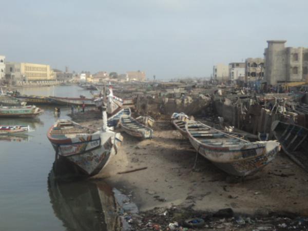 Guet-Ndar : Des jets de pierre interrompent l'opération de désencombrement