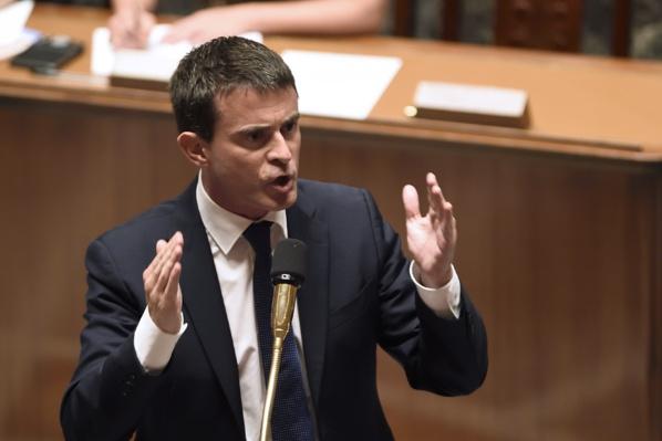 """Manuel Valls contredit Sarkozy : """"L'homme africain est entré dans l'histoire"""""""