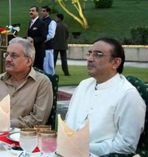Le veuf de Benazir Bhutto, Asif Ali Zardari, élu président