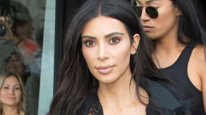 Photo - Quelques heures après son agression, Kim Kardashian pose seins nus sur Instagram