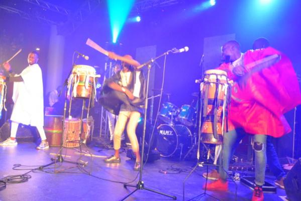 Vidéo: Prestation du groupe Soralé Boy de Bruxelles: petits fils de feu Doudou Ndiaye Rose, concert Titi au Dock Haussman de Paris.