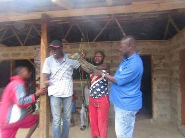 Une jeune fille a été attachée par des villageois sous l'ordre du chef coutumier car elle aurait refusé un mariage forcé.