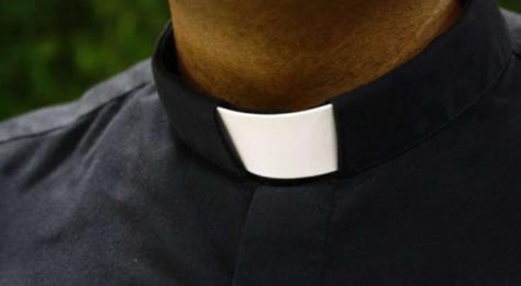 Un prêtre meurt en pleine cérémonie d'enterrement