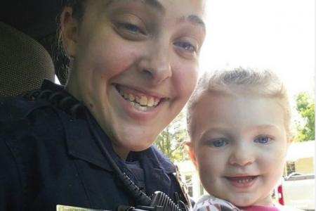 La femme policière et sa fille