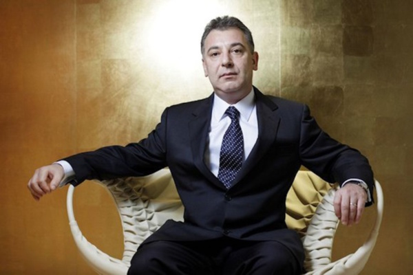 Frank Timis a menacé de plaintes certains membres de l'opposition sénégalaise.