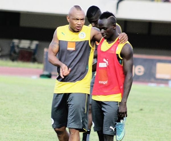 Suivez le match Sénégal-Cap Vert comptant pour les éliminatoires du Mondial 2018 en direct à 20 heures sur Leral.net, ne ratez pas aussi les coulisses sur votre site préféré.