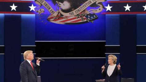 Un deuxième débat houleux entre Trump et Clinton