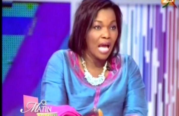 Eva Tra qui a remplacé Dégueune Chimère Diao Babou dans l'émission Wareef, est dévastée la nouvelle de la disparition de celle qui a été la femme de me Babou.