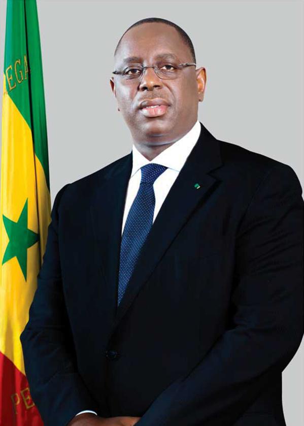 Macky Sall signe le Décret portant création du Comité d'Orientation Stratégique du Pétrole et du Gaz (COS-PETROGAZ).