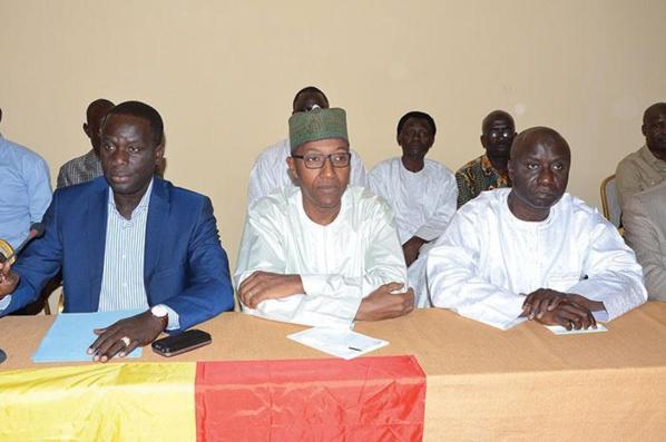 Malick Gakou, Abdoul Mbaye et Idrissa Seck, trois membres de la Conférence des leaders de Manko Wattu Senegaal.