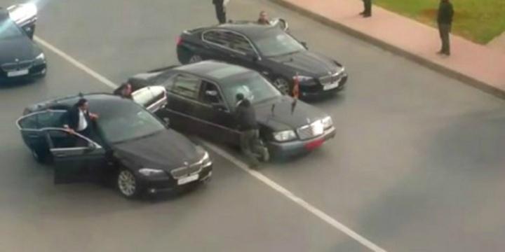 Le convoi du roi Mohamed VI de nouveau attaqué