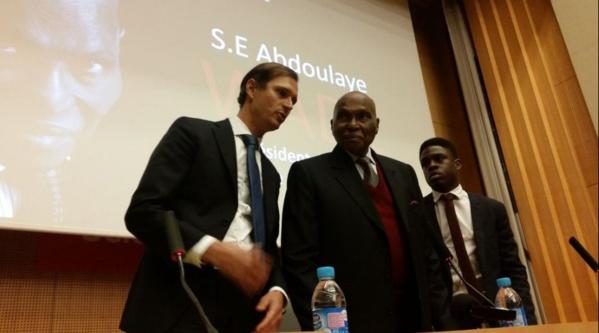 Le président Abdoulaye Wade à l'amphithéâtre Emile Boutmy pour animer une conférence de l'ASP