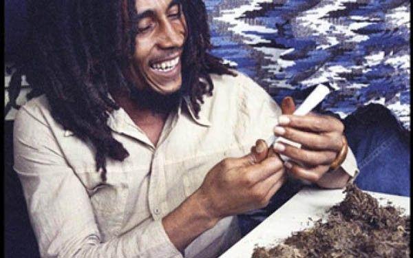 Les os seraient fragilisés par la consommation régulière de cannabis.