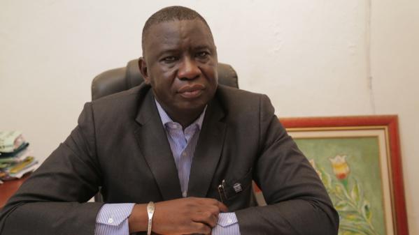 Me Assane Dioma Ndiaye a battu en brèche la procédure exécutée par le Procureur, puisque selon l'avocat, il fallait d'abord lever l'immunité parlementaire de Barthélémy Diaz avant de la convoquer en audience ensuite.