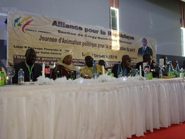 France : Le Ministre Yakham Mbaye et le DG de l'ARTP, Abdoul Karim Sall président un meeting dans le Val-d'Oise