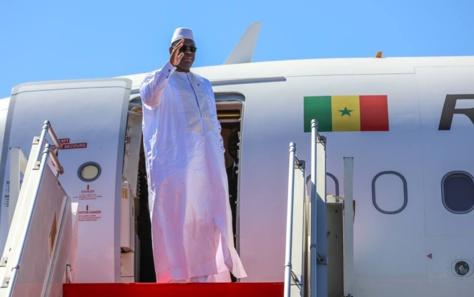 Le Président Macky Sall quitte Dakar