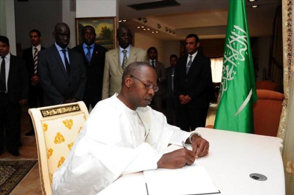 Suivez le Premier Ministre Mahammad Boun Abdalah Dionne sur (les questions d'actualité au gouvernement) à l'Assemblée Nationale en direct sur leral.net