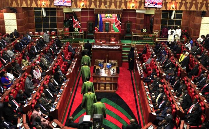 Afrique: Le Kenya se retire aussi de la CPI