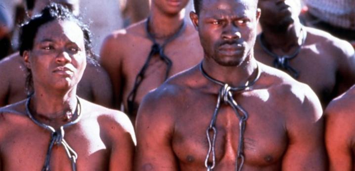 Esclavage : Manuel Valls écarte l'idée de réparations financières