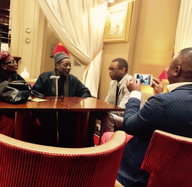 Youssou Ndour en visite chez Serigne Maodo Sy à Paris (photo DakarBuzz).