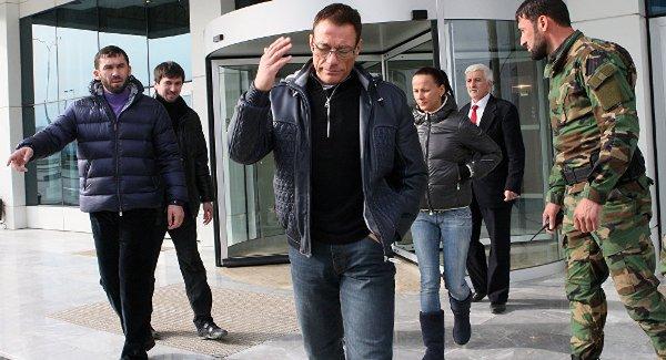 L'acteur Jean Van Damme : « Les USA doivent se rendre à Moscou, boire de la vodka avec Poutine et faire la paix»