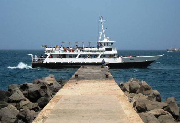 Panique générale sur l'axe Dakar-Gorée: la chaloupe tombe en panne en mer