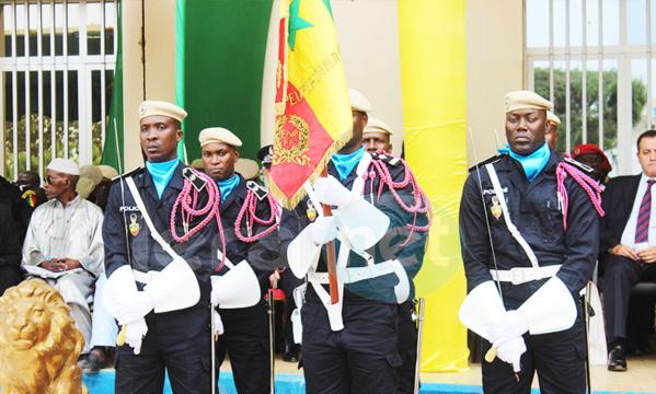 (PHOTOS): la cérémonie de la présentation de drapeau de la 43éme promotion de l'école nationale de police