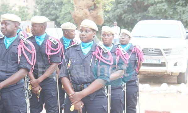 la cérémonie de la présentation de drapeau de la 43éme promotion de l'école nationale de police