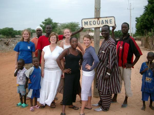 Sénégal: Les populations de Méouane marchent pour réclamer sept kilomètres de route