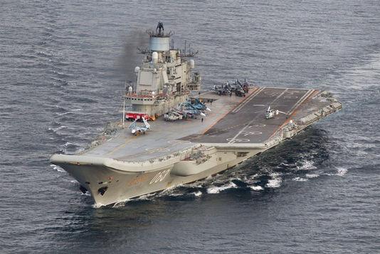 le porte-avions Amiral Kouznetsov au large de la Syrie