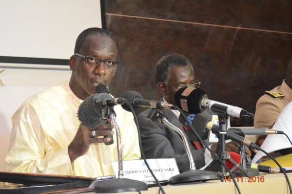 Abdoulaye Diouf Sarr qui co-présidait ce lundi 14 octobre le séminaire consacré au ''financement des collectivités territoriales par le marché financier : enjeux, opportunités et perspectives''.