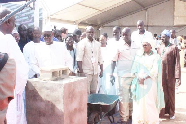 Hôpital moderne de niveau 3 de Touba  Macky Sall a fait la pose de la première pierre