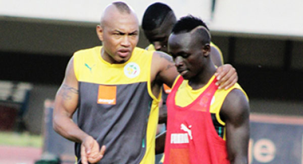 """El Hadj Diouf : """"Sadio Mané doit pouvoir supporter la pression s'il veut remporter le Ballon d'or africain"""""""